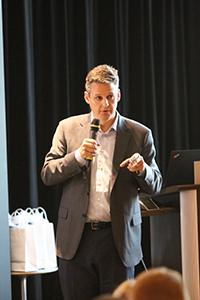 Jason Kint, chef de la direction, Digital Content Next, discute de la confiance des consommateurs dans la publicité